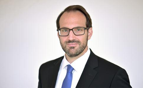 Dr. Tobias Rudolph